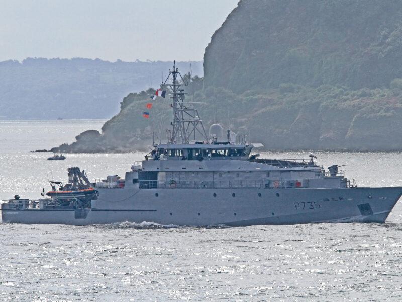 LA COMBATTANTE (P735)
